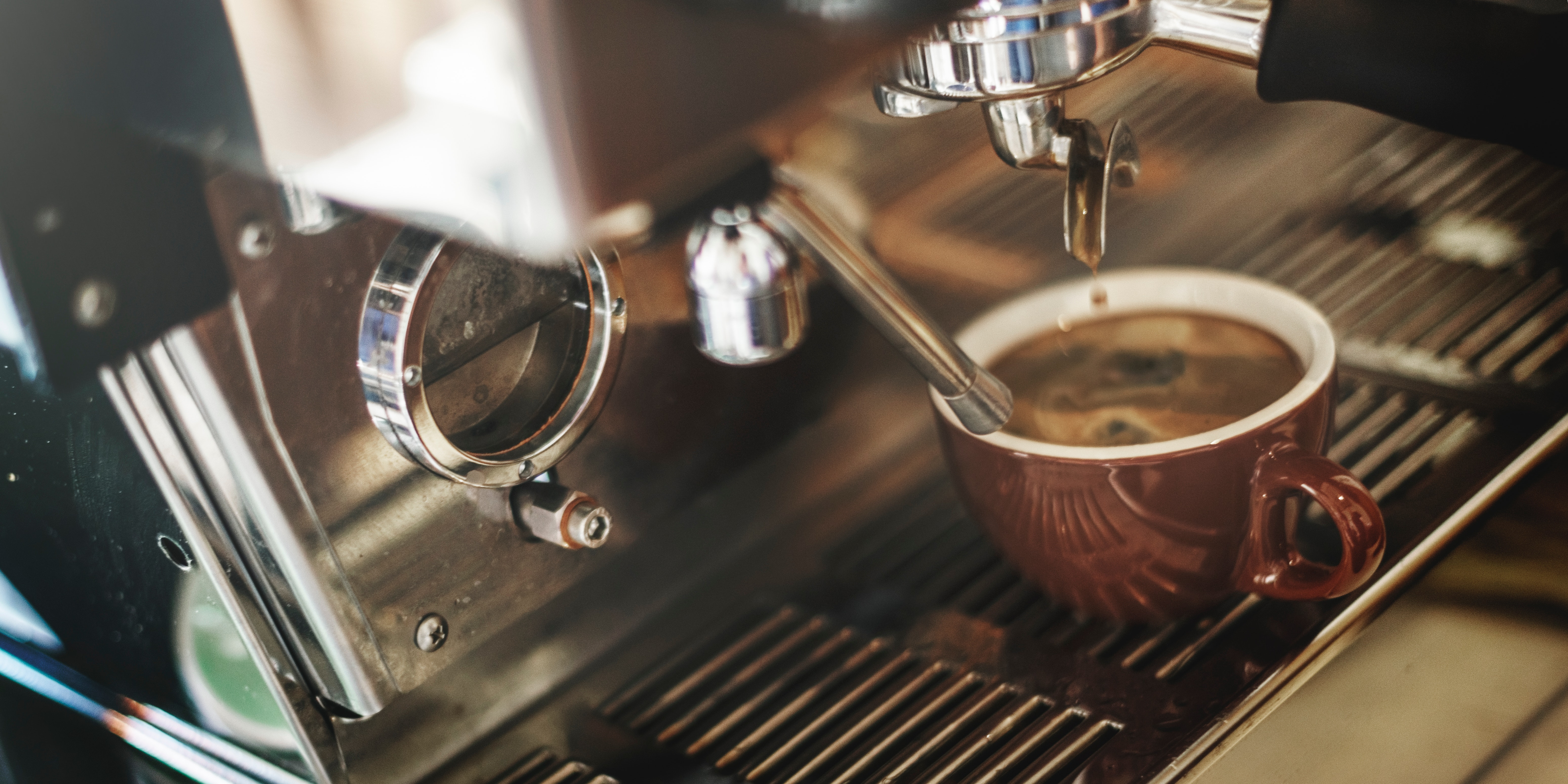 Kaffe og kaffemaskin